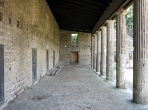 Подлинные казармы гладиаторов в Помпеях